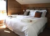 lesgets-chalet-tressud-13-chambree-balcon-2408